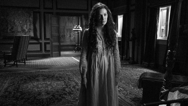 netflix-the-haunting-of-hill-house-viola