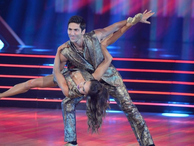 'Dancing With the Stars': Nev Shulman Nabs First Perfect Score of Season 29