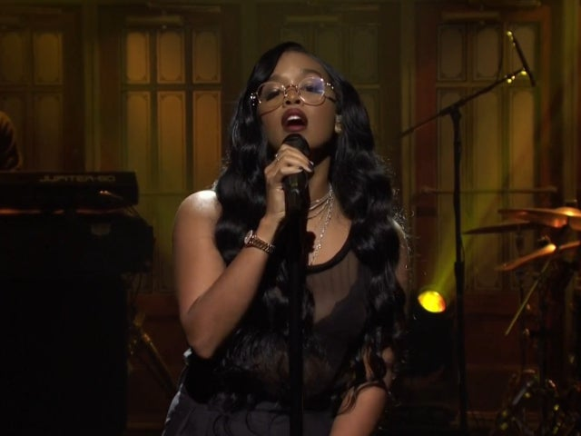 'SNL': H.E.R. Wows Viewers at Home With Performance of 'Damage'