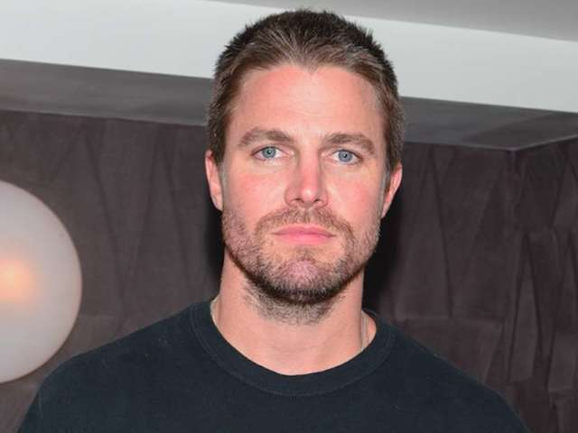 Stephen Amell's Nocking Point Partners With Cleveland Cavaliers for Special Wine