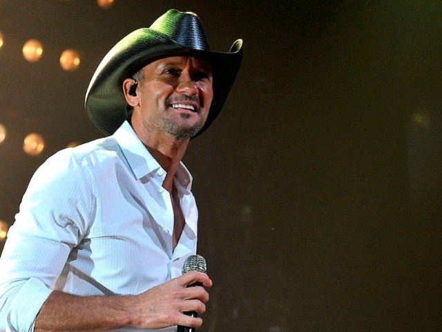Tim McGraw Hits No. 1 With 'I Called Mama'
