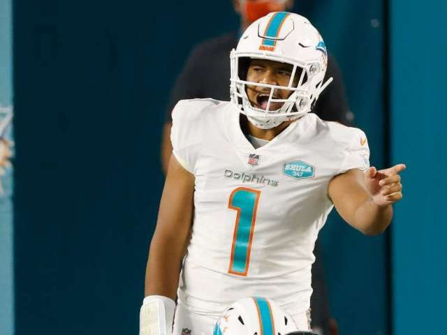 Tua Tagovailoa Is Now Dolphins' Starting QB, and Fans Are Elated