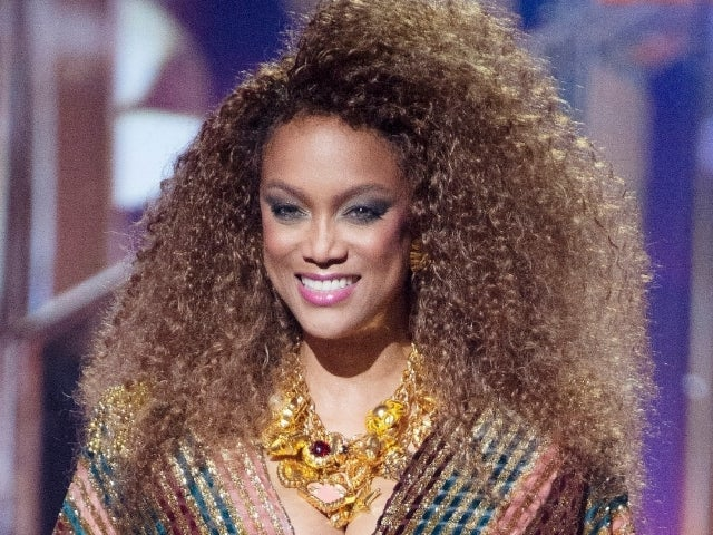 Tyra Banks Forgot to Put on Her Shoes in Wardrobe Malfunction During Live 'Dancing With the Stars' Episode