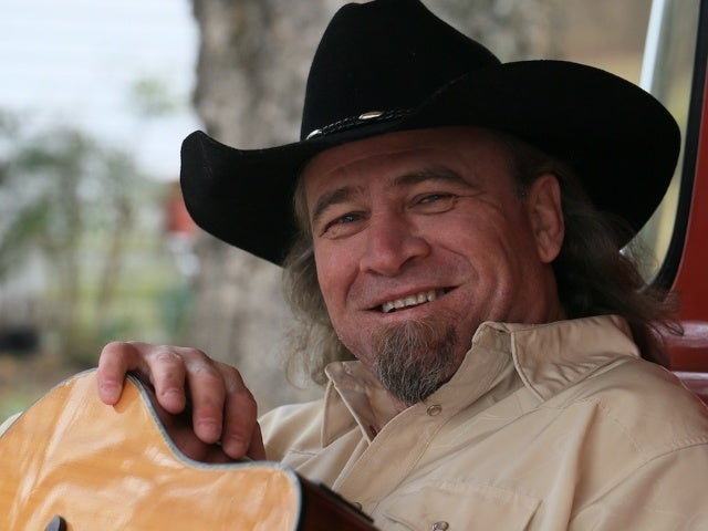 '90s Country Star Doug Supernaw Dies After Cancer Battle