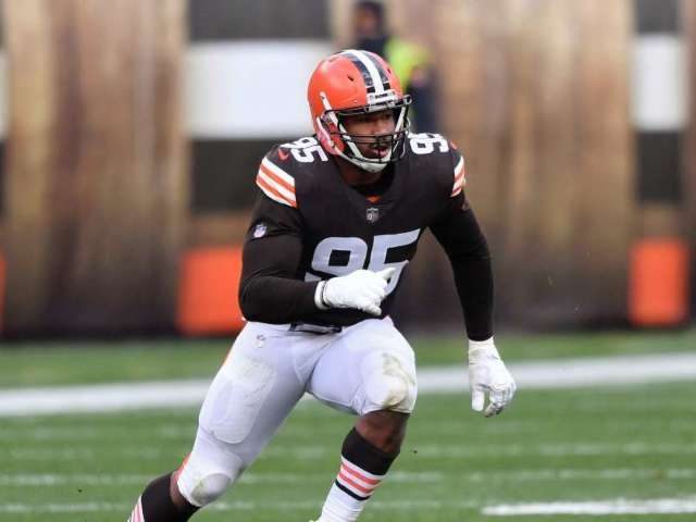 Browns' Myles Garrett Placed on Reserve/COVID-19 List