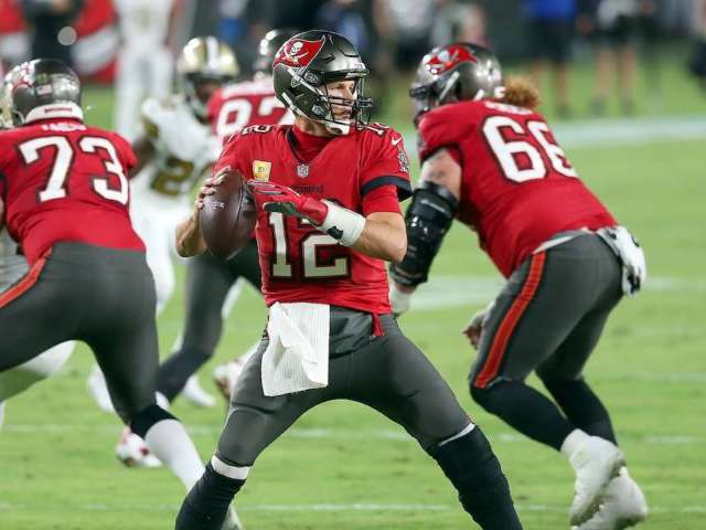 Buccaneers' Flight to North Carolina Delayed, Team Stuck on Tarmac for 5 Hours