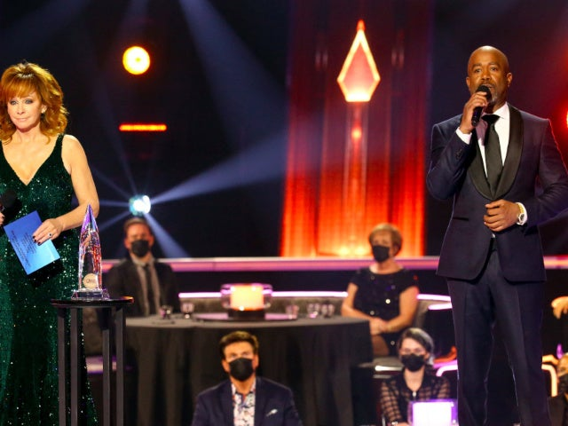 CMA Awards: Darius Rucker Cracks Joke About Reba McEntire, Rex Linn and Carrie Underwood