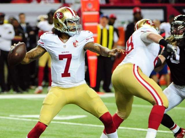 Colin Kaepernick Looking to Get Signed by NFL Team After Wave of QB Injuries, Says He's Still Ready
