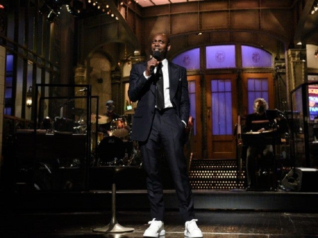 'SNL' Dave Chappelle Sparks Huge Reactions After Blasting 'Poor Whites' Who Are Anti-Mask