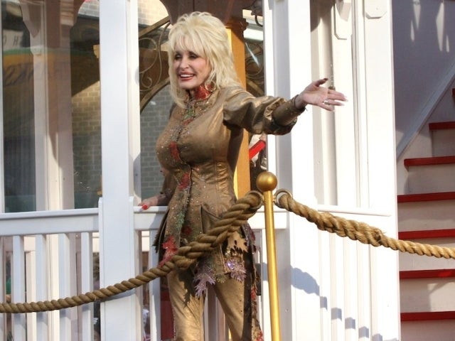 Dolly Parton, Lauren Alaina and More Performing During Macy's Thanksgiving Day Parade