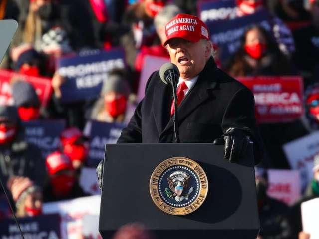 Donald Trump Supporters Erupt Into 'LeBron James Sucks' Chant