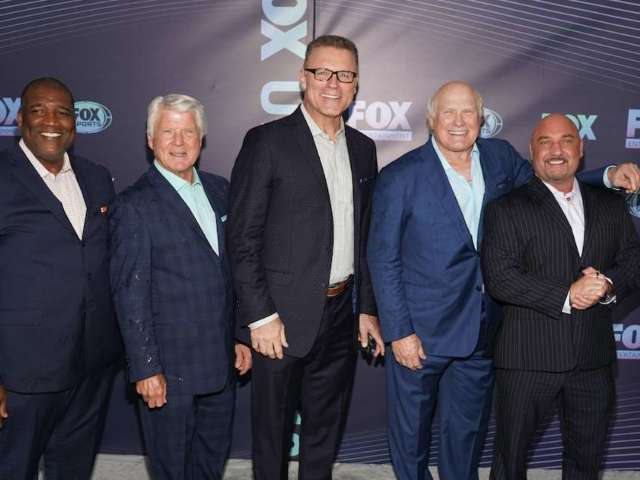 'Fox NFL Sunday': Terry Bradshaw, Michael Strahan and Others Removed From Pre-Game Over COVID-19 Concerns