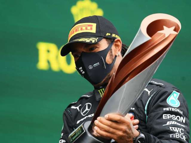 Lewis Hamilton Sends Message to F1 Fans Amid COVID-19 Recovery