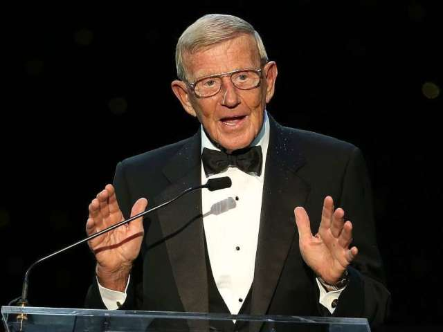 Former Notre Dame Football Coach Lou Holtz Tests Positive for COVID-19