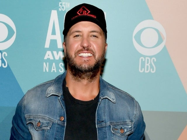 Luke Bryan Wipes out on the Slopes With Son Tate