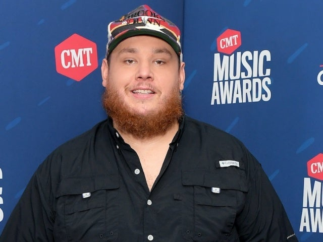 Luke Combs Returns to No. 1 With 'What You See Ain't Always What You Get'