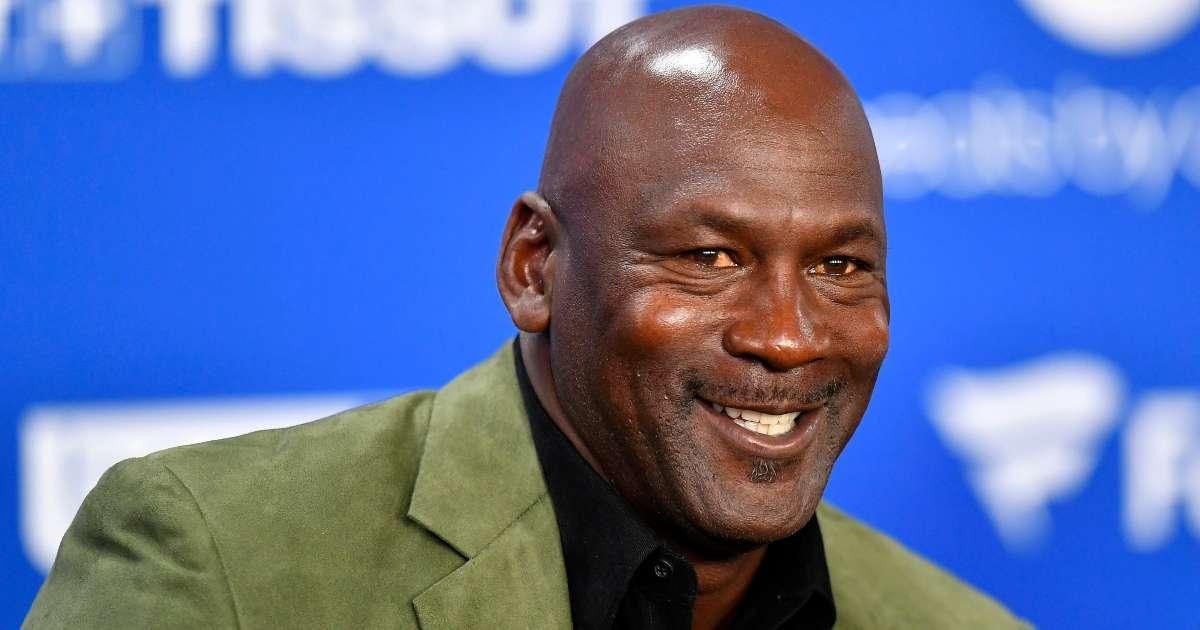 Michael Jordan donates 2 million food shelter ahead Thanksgiving