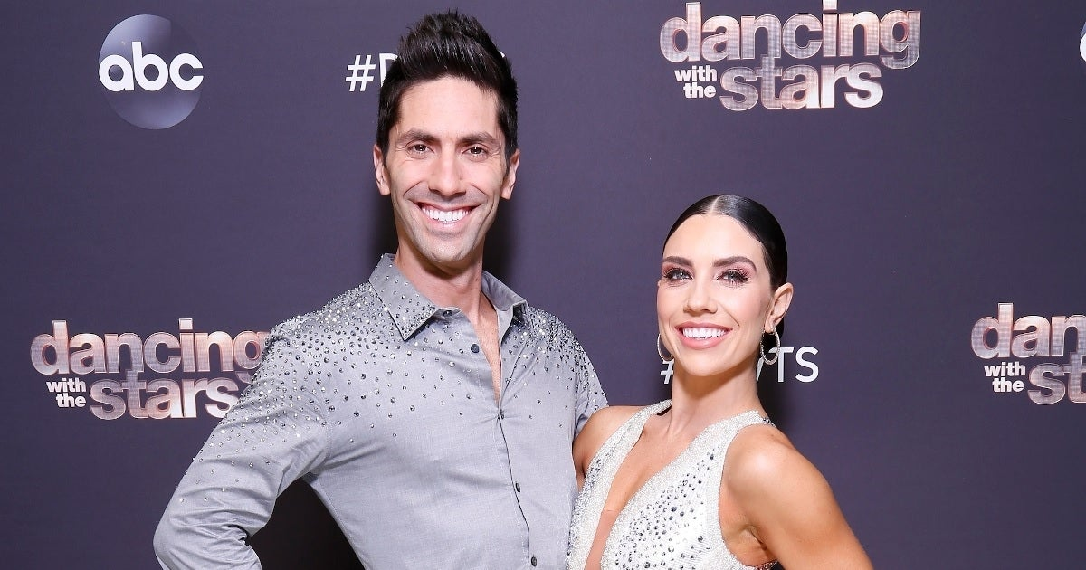 nev schulman jenna johnson getty images abc finale