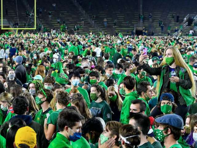 Notre Dame Fans Swarm Field After Defeating Clemson, Causing COVID-19 Concerns
