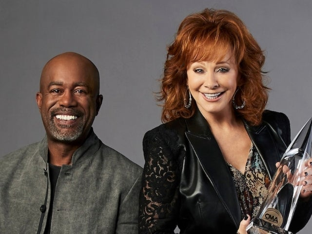 CMA Awards: Reba McEntire and Darius Rucker's 'In the Ghetto' Performance Gives Viewers Chills