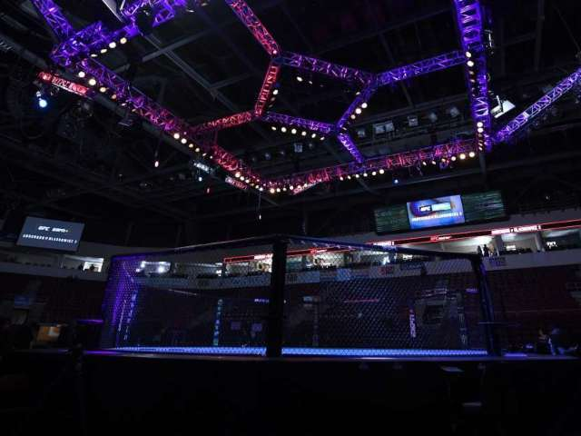 Sidy Rocha, MMA Fighter, Gruesomely Breaks Arm During Match With Karine Silva