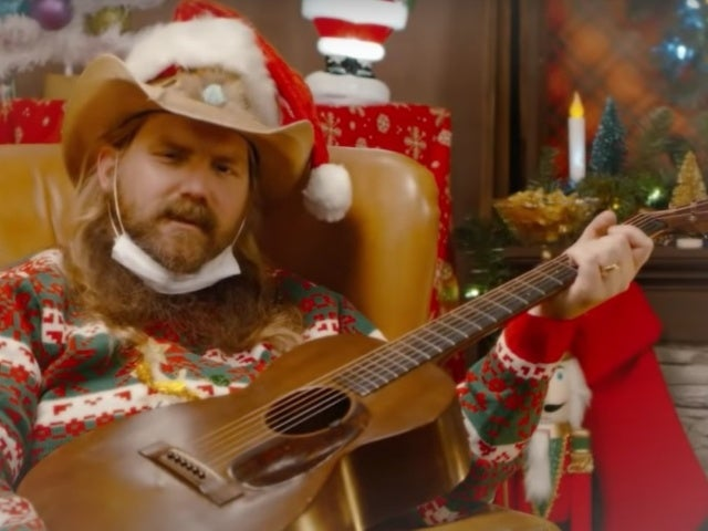 Chris Stapleton Promos New Holiday Album 'A Very Covid Christmas'
