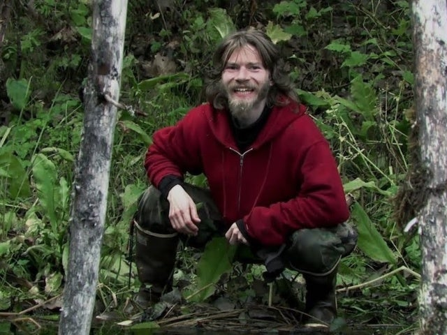 'Alaskan Bush People' Star Bear Brown Clarifies News He's Leaving Series