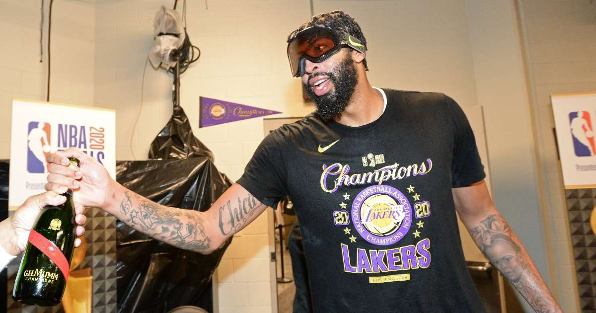 Anthony Davis signs 5 year 185 million contract extension Lakers