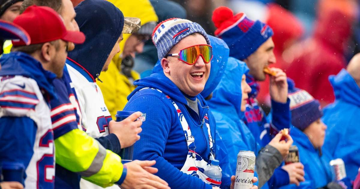 Buffalo Bills to host limited number of fans at first playoff game