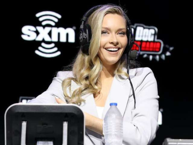 Camille Kostek Opens up About Body Image Issues Alongside 'Sports Illustrated Swimsuit' Photo