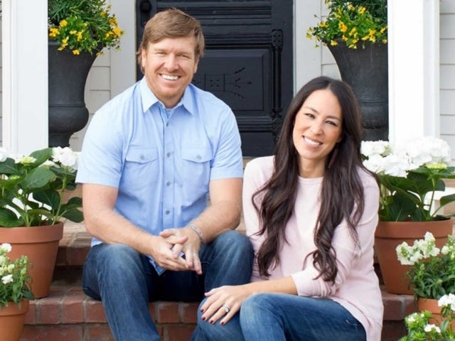 Joanna Gaines Sparks Warm Response From Fans Over Snowy 'Farm Family Portrait'