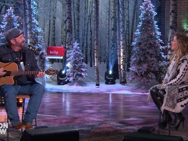 Garth Brooks and Kelly Clarkson Perform 'Shallow' on 'The Kelly Clarkson Show'