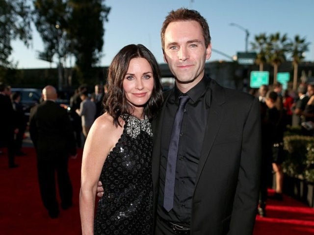 Courteney Cox Reunites in Person With Boyfriend Johnny McDaid After 9 Months Apart During Pandemic