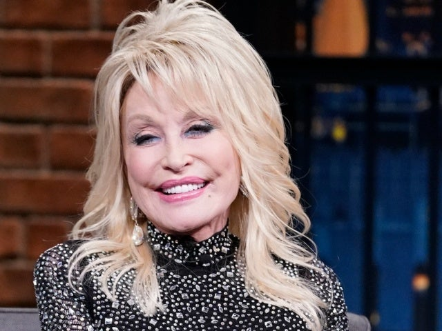 Barack Obama Says Not Awarding Dolly Parton the Presidential Medal of Freedom Was a 'Screw-Up'