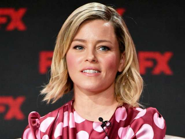 Elizabeth Banks Sparks Hilarious 'Elf on the Shelf' Meme With 'Hanks on Banks' and Stars Share Their Creations