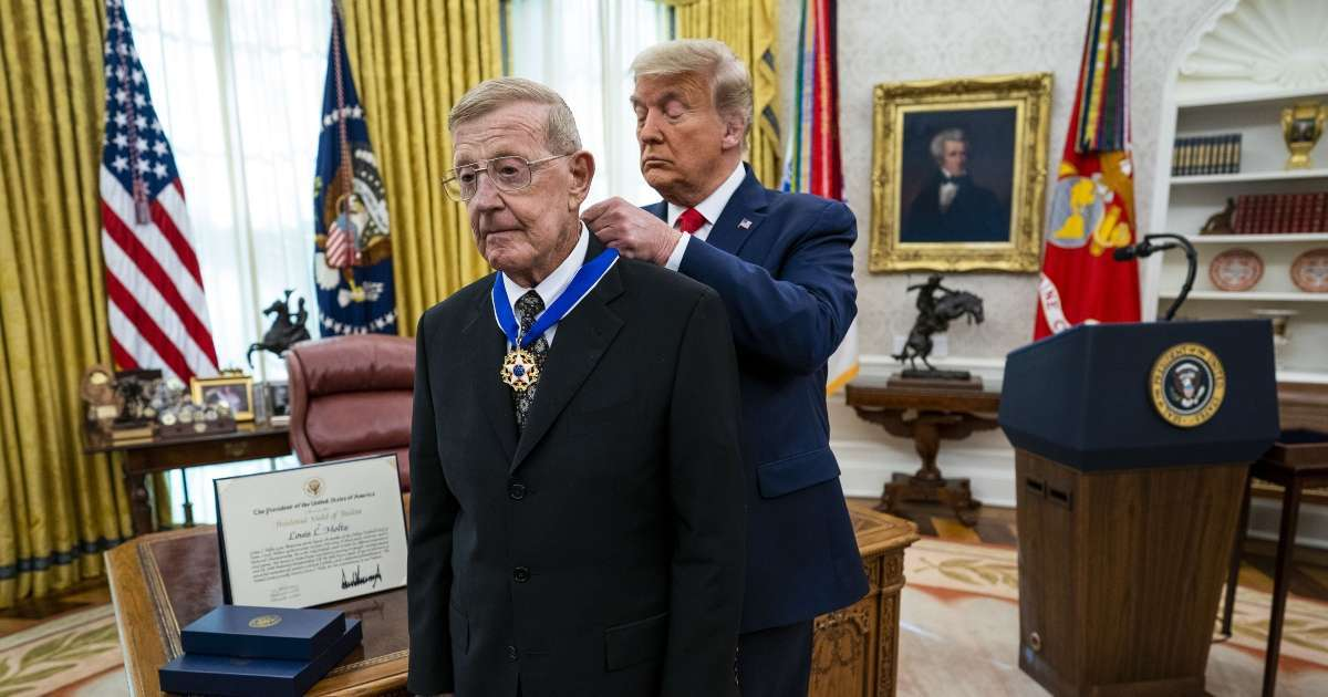 Lou Holtz Donald Trump Greatest President During my lifetime medal of freedom