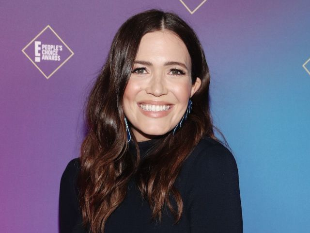 Mandy Moore Reveals New Baby Bump Photo: '30 Weeks With This Tiny Kickboxer'