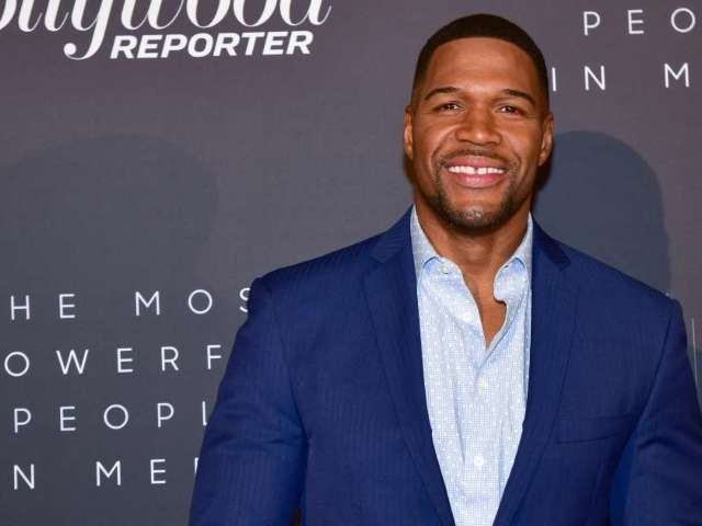 Michael Strahan Sends Strong Message to Dwayne Haskins Before Being Cut by Washington Football Team