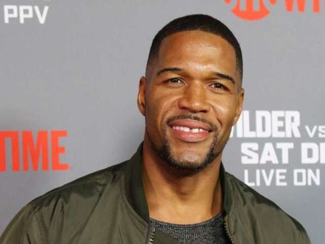 NFL Hall of Famer Michael Strahan Unveils Epic Christmas Tree