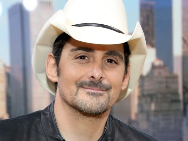 Brad Paisley's 2020 Elf on the Shelf Displays Are a Must-See