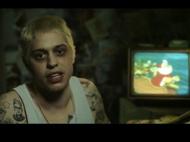 'SNL': Eminem Makes Surprise Cameo for 'Stan' Christmas Sketch
