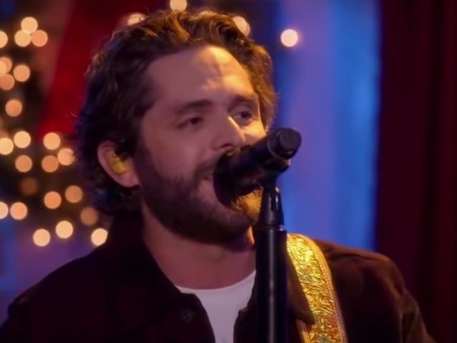 Thomas Rhett Performs 'Christmas in the Country' on 'CMA Country Christmas'