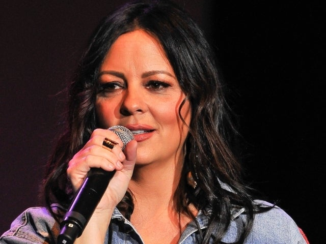 Sara Evans Mourns Death of Dad Jack: 'I Will Miss You So Much'