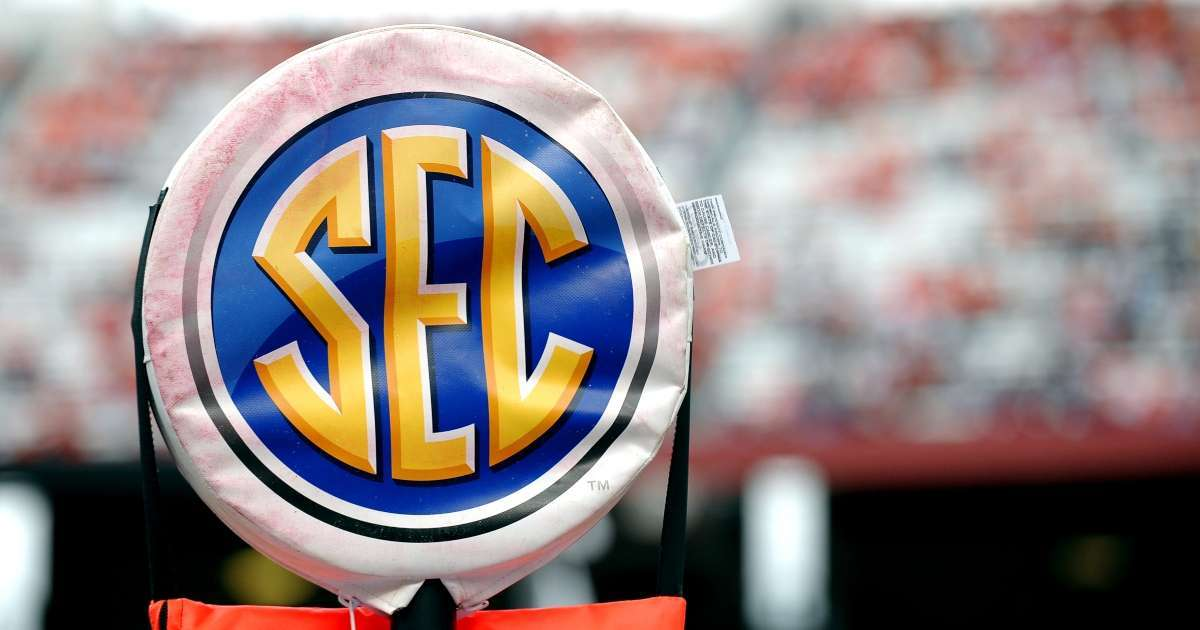 SEC signs 10-year deal ESPN broadcast football basketball games 2024