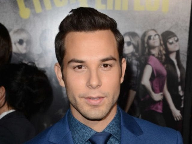 'Pitch Perfect' Star Skylar Astin Covers up With Strategically Placed Present to Wish Fans Happy Hanukkah