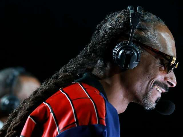 Snoop Dogg's Mike Tyson vs. Roy Jones Jr. Commentary Had People Rolling