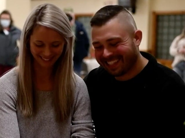 Scotty McCreery Surprises Two Fans for Their Wedding With Virtual Performance