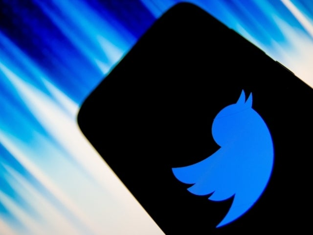 Twitter Down, Leaving Users Scrambling to Find Platform to Comment on Outage