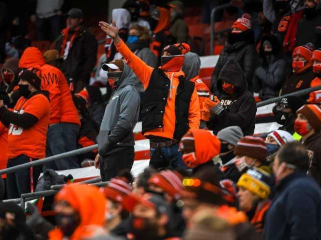 Browns Fan Dying of Cancer Gets Final Wish to Attend Playoff-Clinching Game vs. Steelers