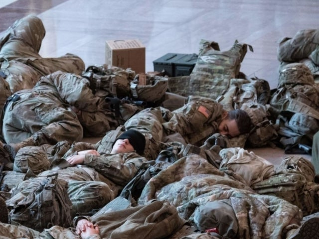 US National Guard Members Sleep on Capitol Floor Amid Impeachment Proceedings